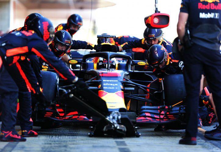Ricciardo breaks Barcelona track record