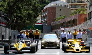 Renault to warm up French fans with F1 street demo