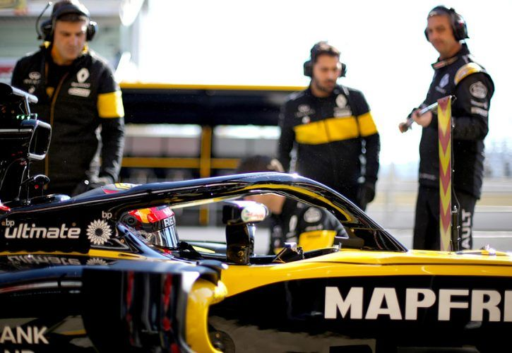 Verstappen sees no threat from other Renault teams