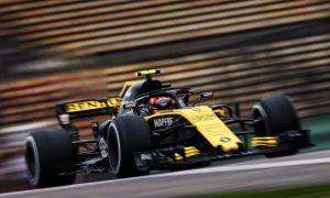 Renault looking 'better' in Shanghai, says Sainz