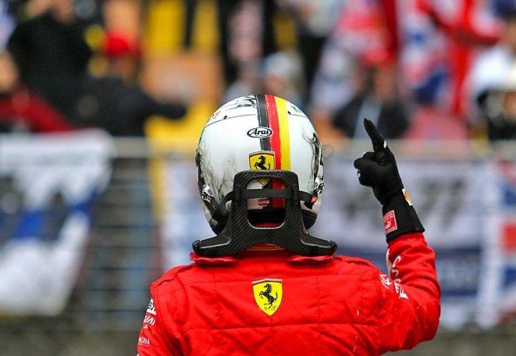 Hamilton apologises to Verstappen