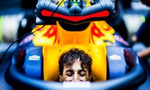 Ricciardo heads back to Baku 'where you need to leave it late'