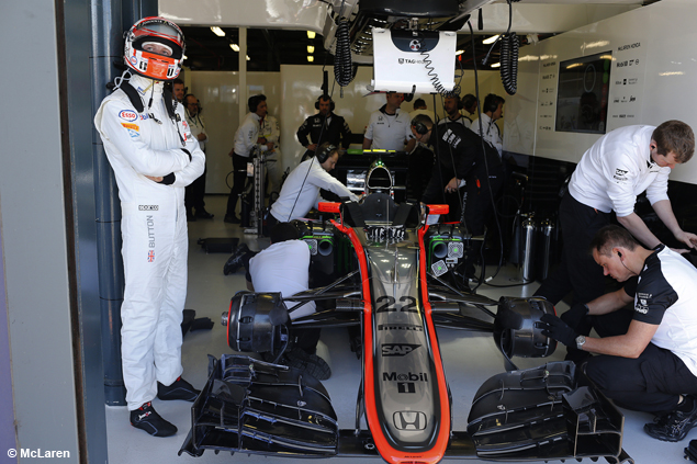 F1-mclaren-honda-moteur-2015-1