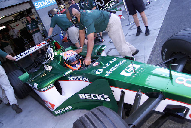 Johnny Herbert im Jaguar heute im 1.Freien Training zum Formel 1 Grand Prix von Italien