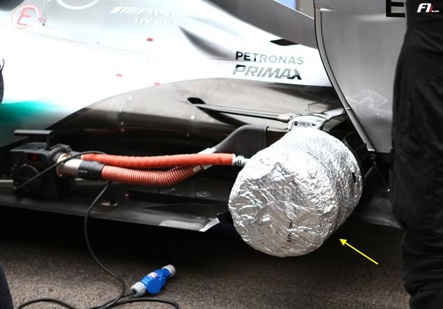 F1-technical-galery-russia-mercedes-brake-blankets