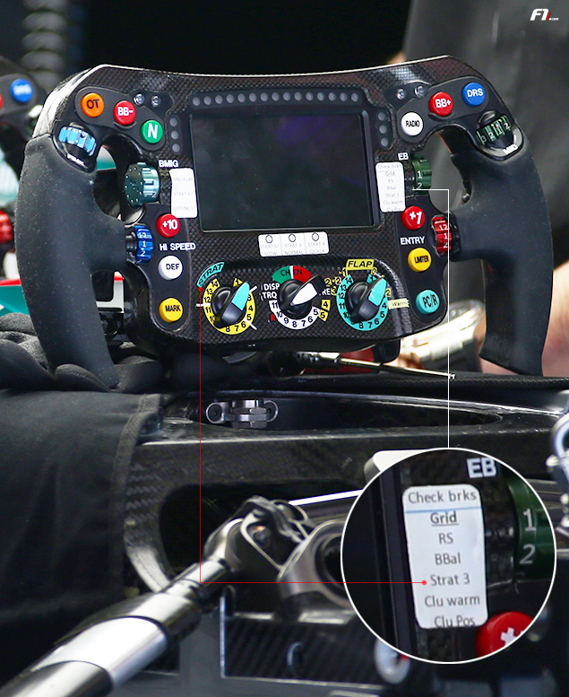 F1-technical-Mercedes-steering wheel-rosberg