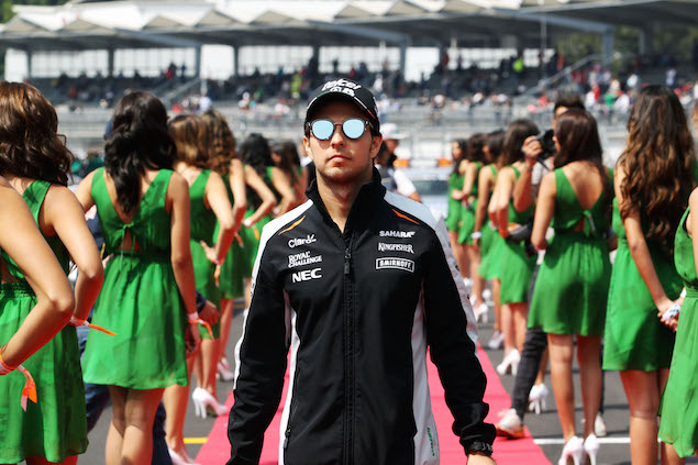 Sergio Perez (MEX) Sahara Force India F1 on the drivers parade. 30.10.2016. Formula 1 World Championship, Rd 19, Mexican Grand Prix, Mexico City, Mexico, Race Day. - www.xpbimages.com, EMail: requests@xpbimages.com - copy of publication required for printed pictures. Every used picture is fee-liable. © Copyright: Photo4 / XPB Images